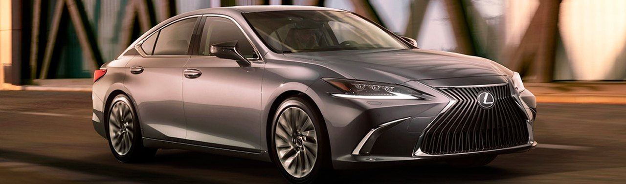 2019 Lexus ES On the Road at Ken Shaw Lexus in Toronto